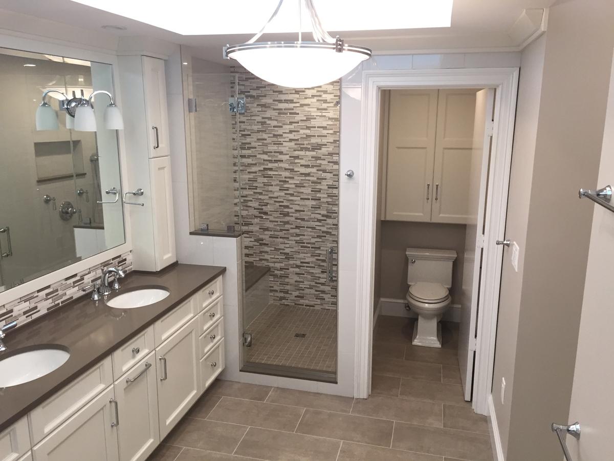 Beautiful Large Bathroom ...